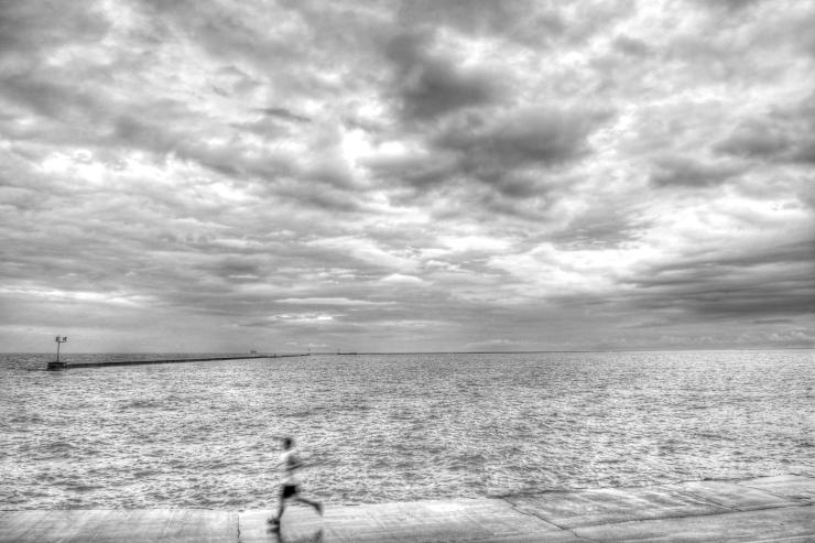 Lakeside Runner