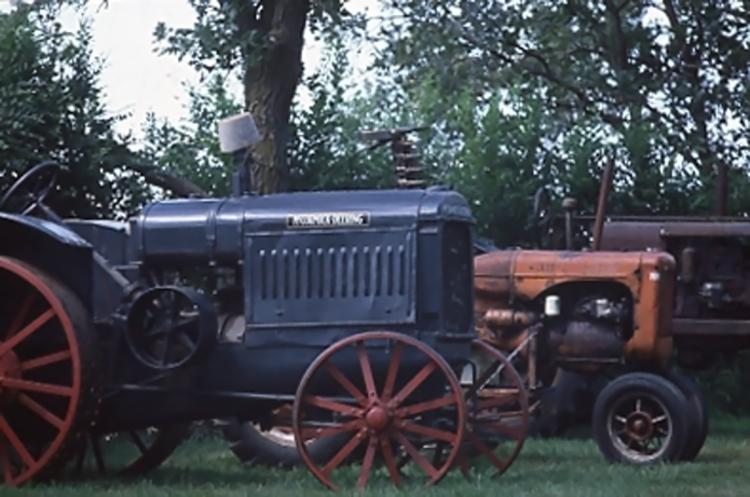 TractorsFarm001a