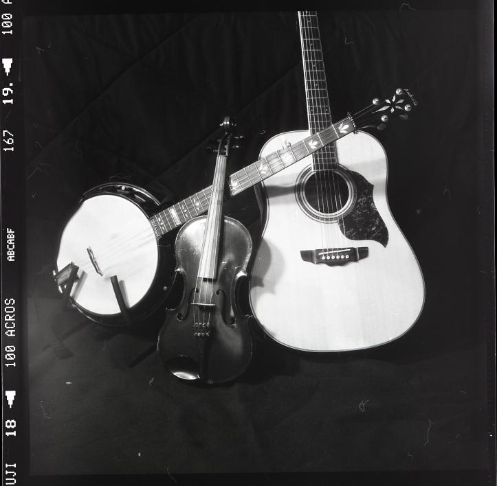 GuitarBanjoFiddle001